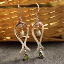 Boucles d`oreille opale blanches et péridots En Argent 925