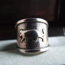 Bague en argent 925  T.58 motif animal antique